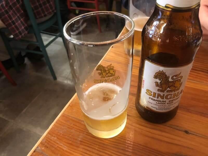 タイストリートフードでシンハービール